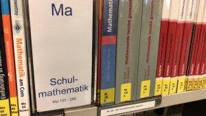 Schulmathematik - eine eigene Kategorie?